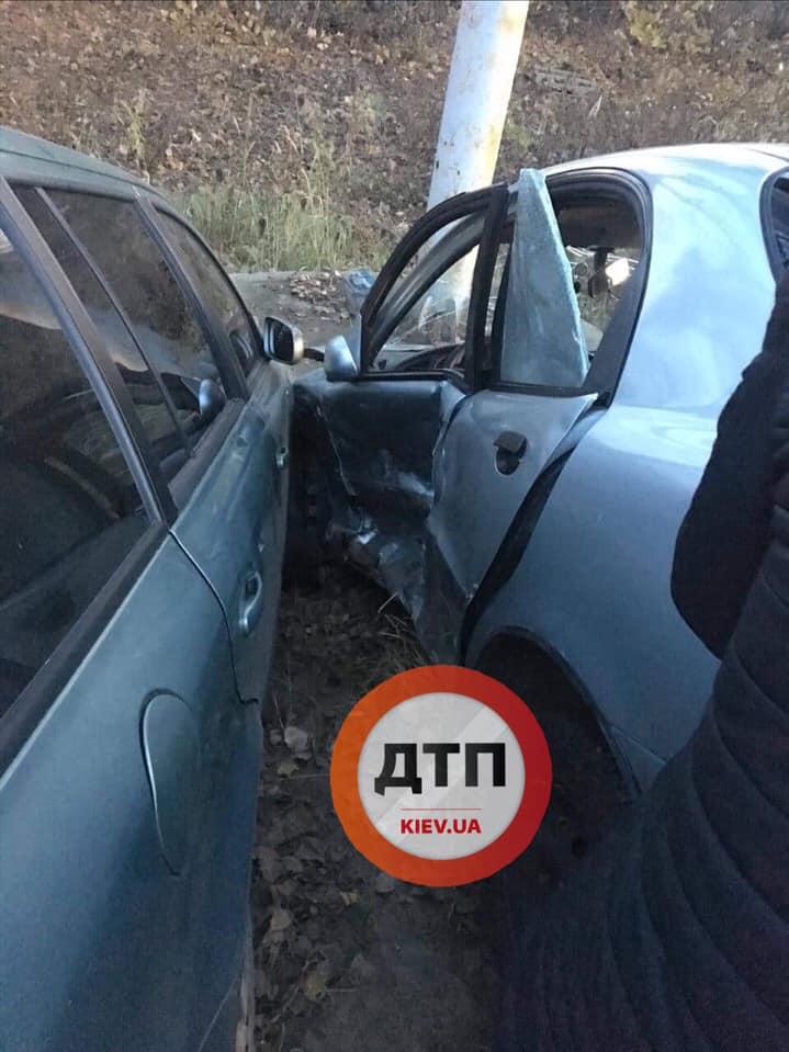 ДТП у Вишневому: двох осіб забрала швидка - водії, авто - dtp Vysh1