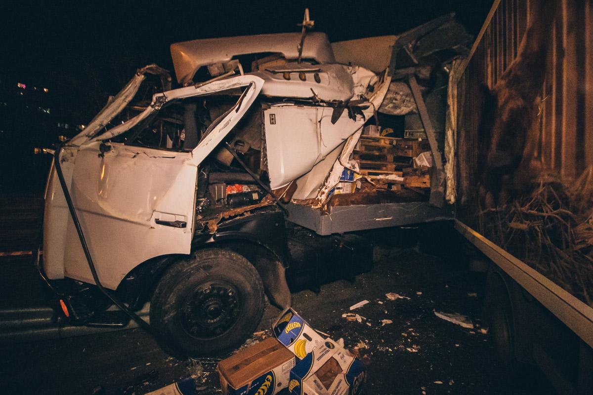 Через відмову гальм вантажівка протаранила 7 авто -  - dtp bratislavskaya 5