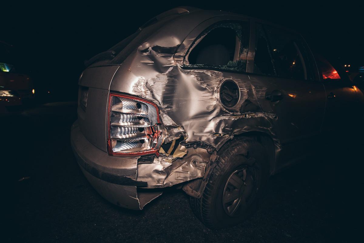 Через відмову гальм вантажівка протаранила 7 авто -  - dtp bratislavskaya 8