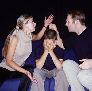 Чому діти толерують домашнє насилля та як це не допустити - Україна, Суспільство, Корисні поради, домашнє насильство, Діти, виховання, Батьки - fd7ff6645a1514e04e3fb3341f05a4b5