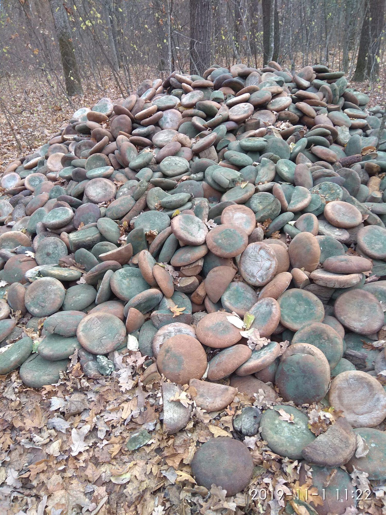 Поблизу Білої Церкви знайшли гору хліба -  - hlib 1500x2000