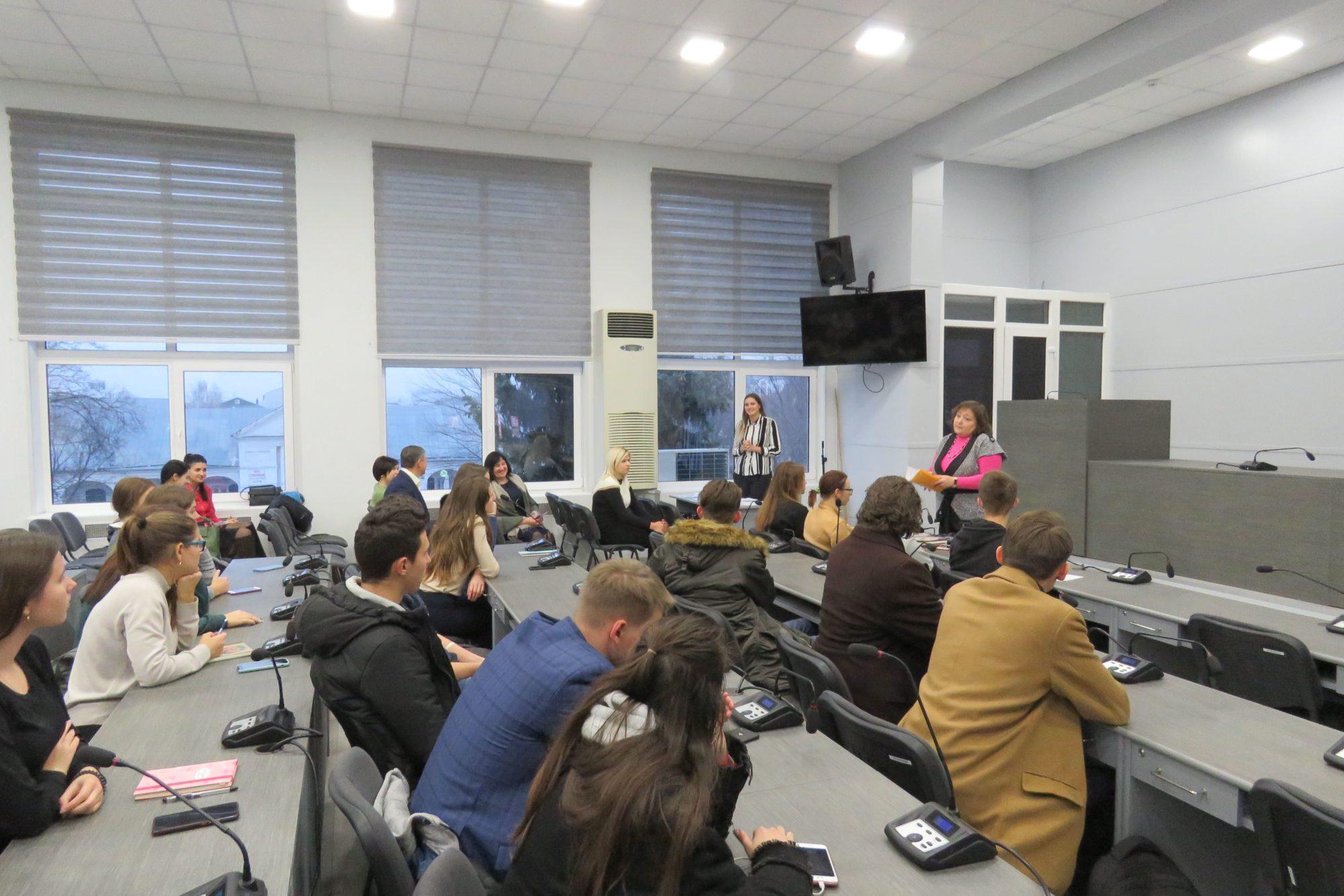 Білоцерківська молодь стажується у міськраді - стажування, Біла Церква - imgbig 2 4 2000x1333