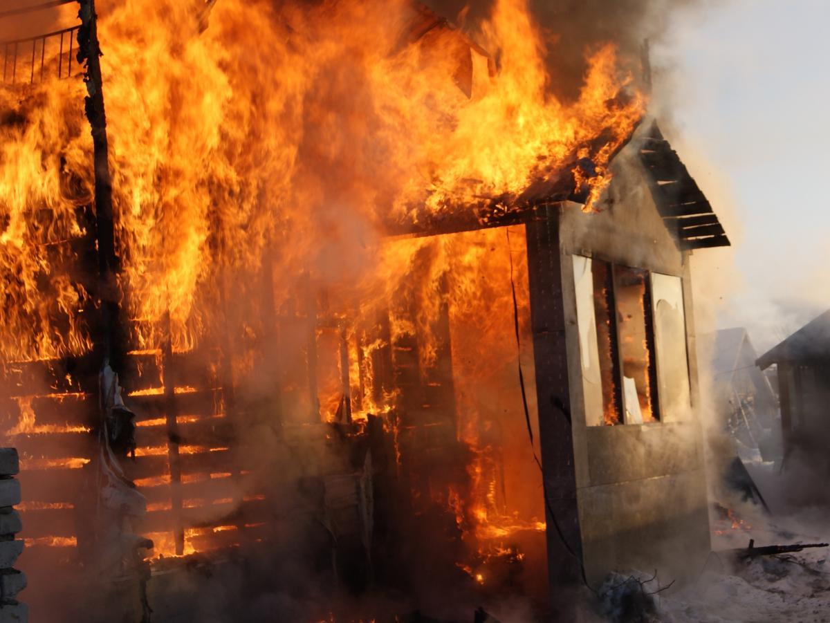 news1541993061 У Сквирі вогонь знищив будинок