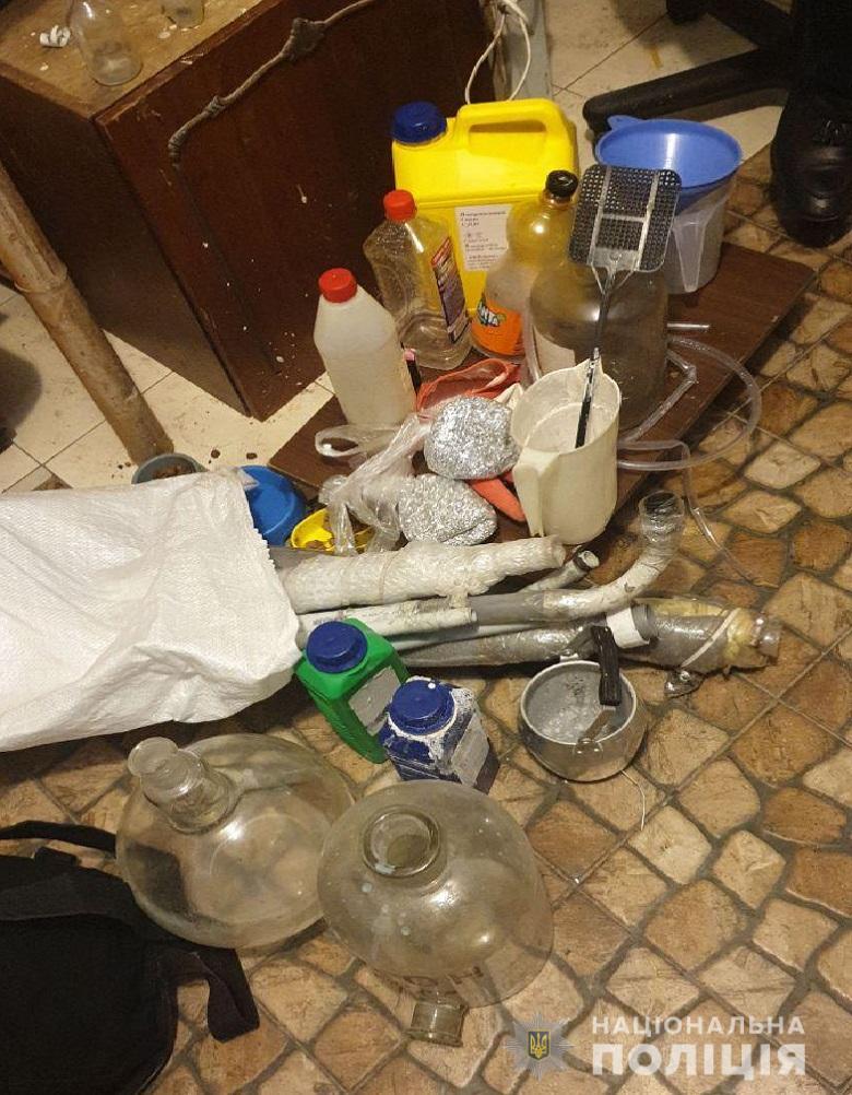 pecherarealiz221115 У Києві викрили нарколабораторію (відео)
