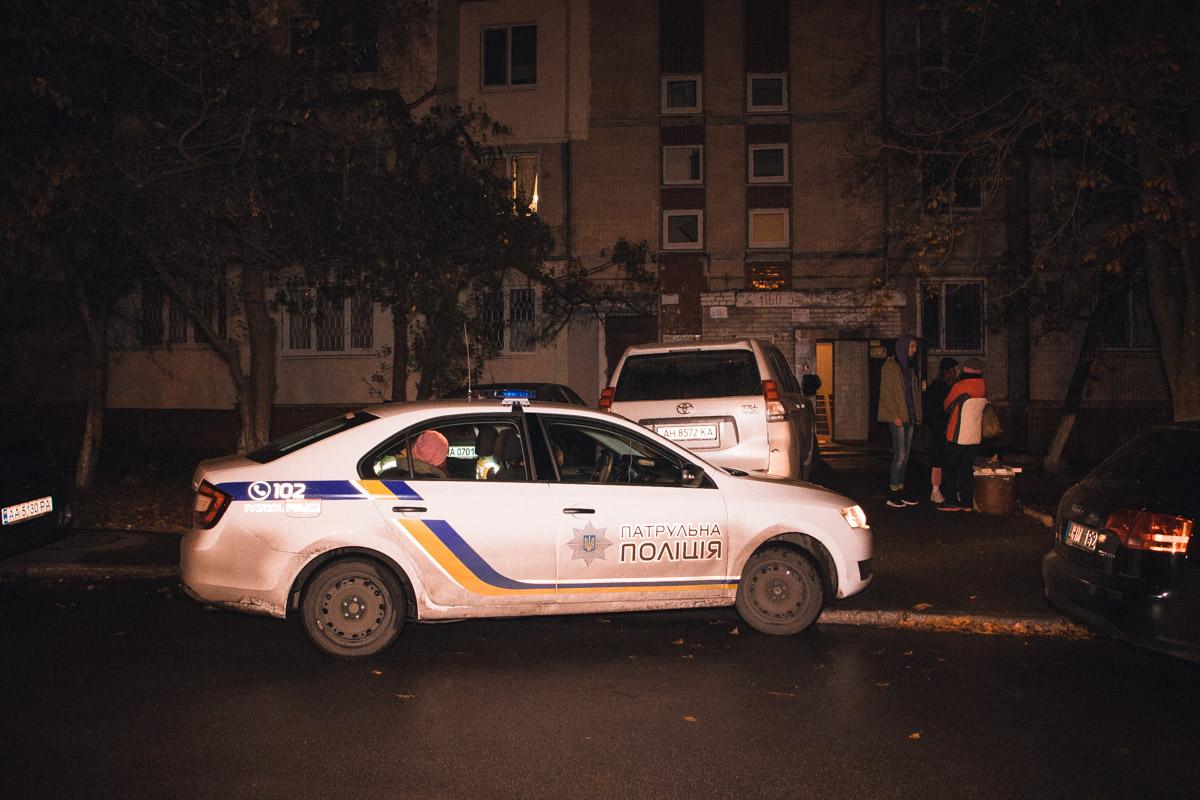 У Києві чоловіку перерізали горло болгаркою -  - telesnye 8 iz 12