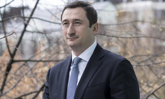 """two_column_pgVrwpSx """"Своїм"""" можна: новий голова КОДА Чернишов дозволив підлеглим не звітувати про допорогові закупівлі"""