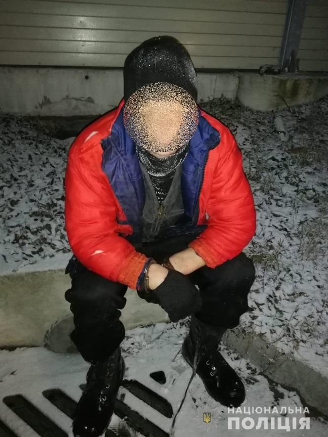 Викрав продукти та алкоголь і вирішив перепочити: під Києвом спіймали зухвалого крадія - пограбування, крадіжка, Калинівка - 05 kradij2