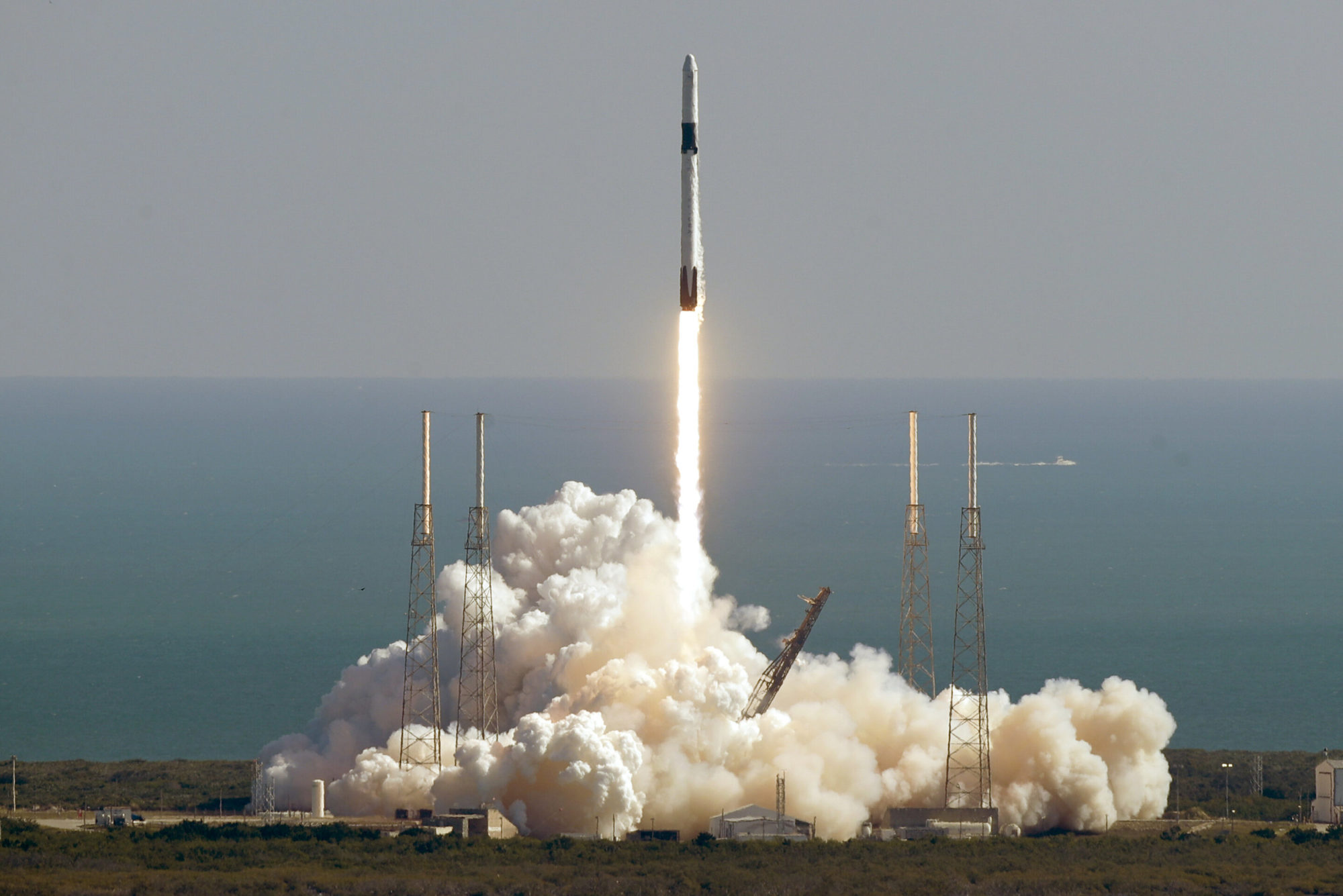 40 мишей для експериментів та ячмінь для пива: SpaceX запустила на МКС космічну вантажівку Dragon - МКС, SpaceX, NASA - 06 spejs 2000x1335