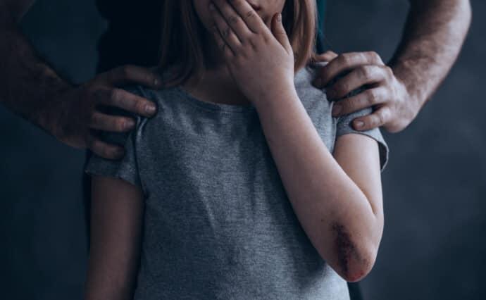 Напоїв і зґвалтував: на Київщині рідний дядько розбещував племінницю - зґвалтування, ґвалтівник - 08 gvaltuvav