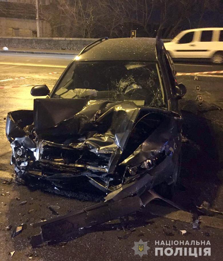 08_kyevDTP Лобове зіткнення в центрі Києва: одна людина загинула, четверо поранені (ФОТО)