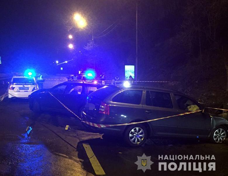 08_kyevDTP2 Лобове зіткнення в центрі Києва: одна людина загинула, четверо поранені (ФОТО)