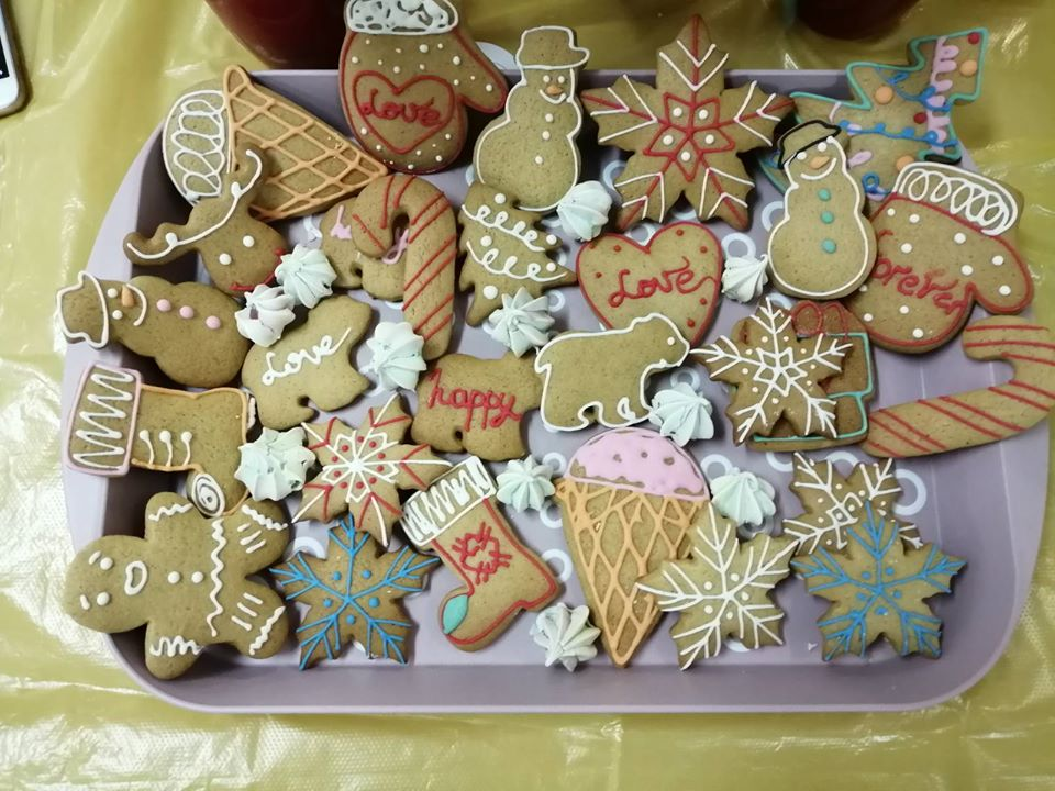 Вишгородські школярі продавали смаколики, щоб допомогти стареньким - Київщина Вишгород - 1217 Suz4