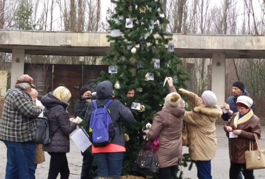 Вперше після аварії на ЧАЕС у Прип'яті встановили новорічну ялинку - Чорнобильська катастрофа, ЧАЕС, новорічна ялинка, київщина - 1225 Prypyat osn