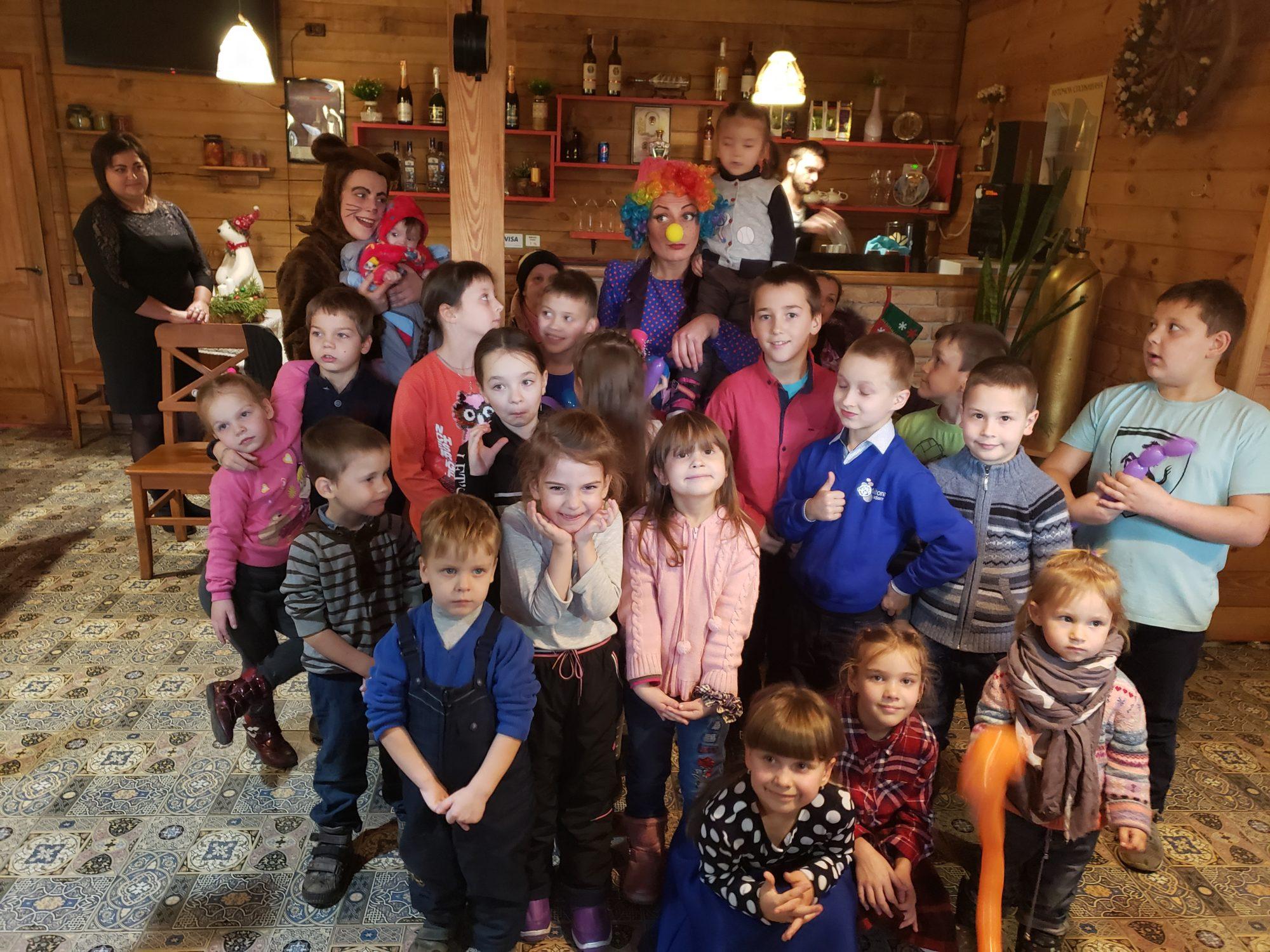 """Дитяче свято у """"Family House"""" в Броварах (відео) -  - 20191218 145703 2000x1500"""