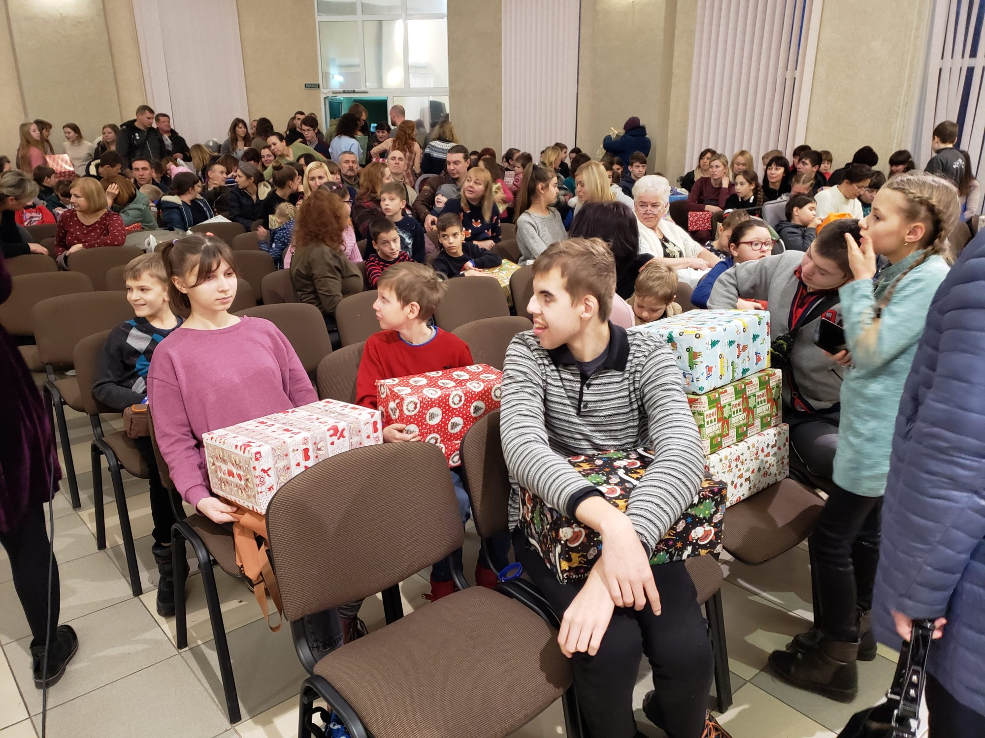 Різдвяне свято для особливих дітей у Броварах -  - 20191228 161442 2000x1500