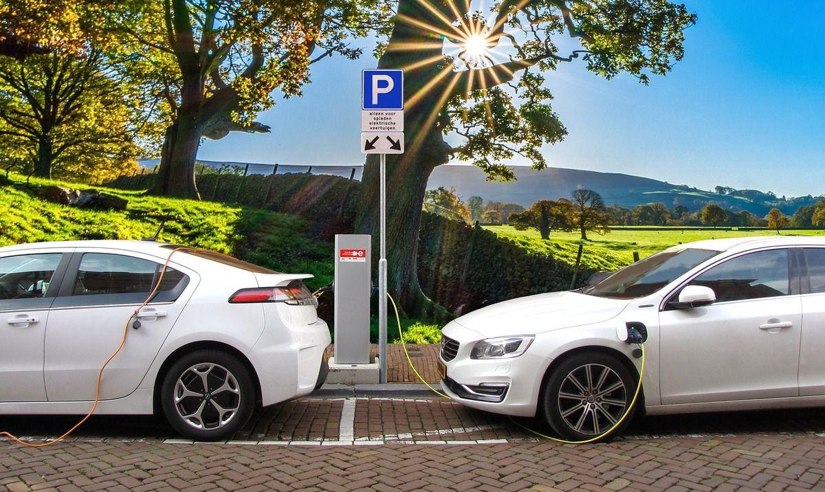 До 2030 року Україна готується пересісти на електромобілі: нардепи готують спеціальний закон - електромобілі - 405894 1