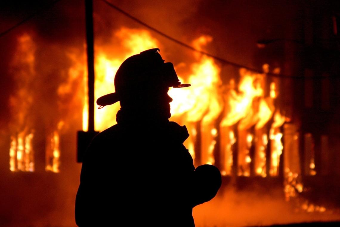 У Гатному ледве не згорів будинок - пожежа - 61AE1E8B FBA1 45EF A178 42AE21A4AEC1