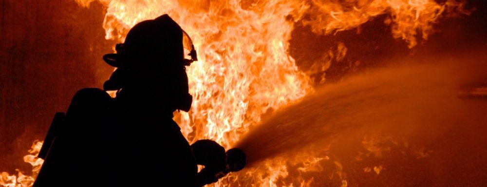 В Узині на Білоцерківщині загорівся будинок - 13.12.2019 - Узин, пожежа, Білоцерківський район - 65d34ce10f9502ddcb90743f4fec3bf5