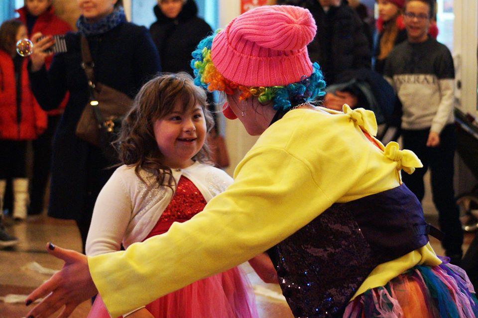 """78032198_2465257383745933_2438267631317286912_o У Броварах відбувся фестиваль творчості дітей з особливими потребами """"Повір у себе"""""""