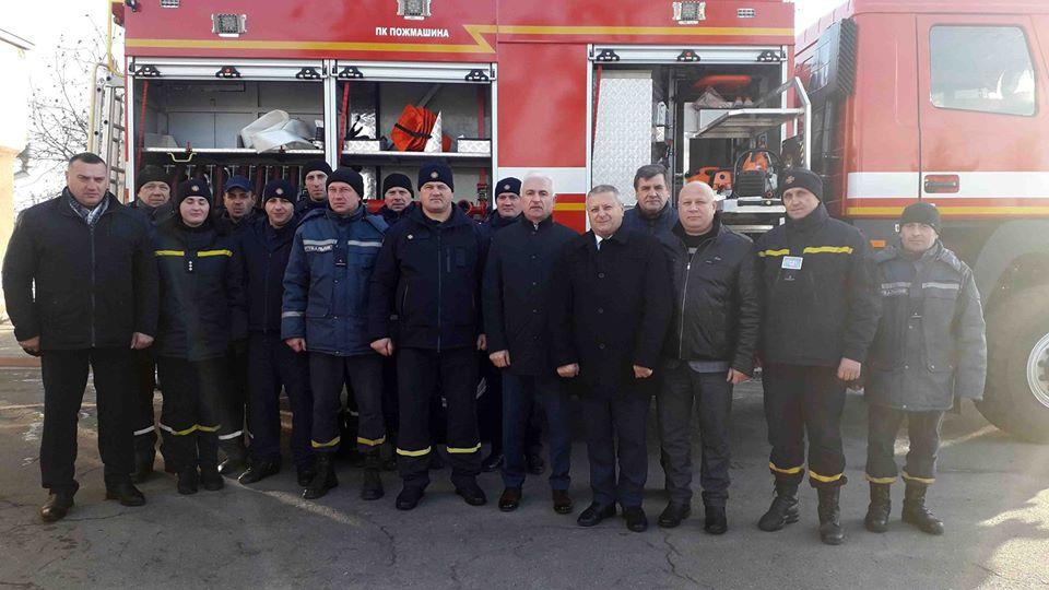 78165917_2868535529831923_3198984941635371008_o Рятувальники смт Рокитне отримали сучасний пожежний автомобіль