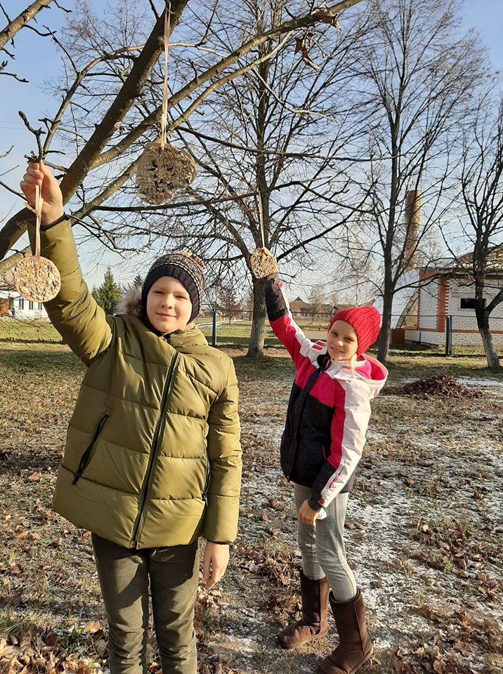 """У Чорнобильському заповіднику відбулася акція """"Допоможемо зимуючим птахам"""" -  - 79435787 551971848693240 3774925556219379712 o"""