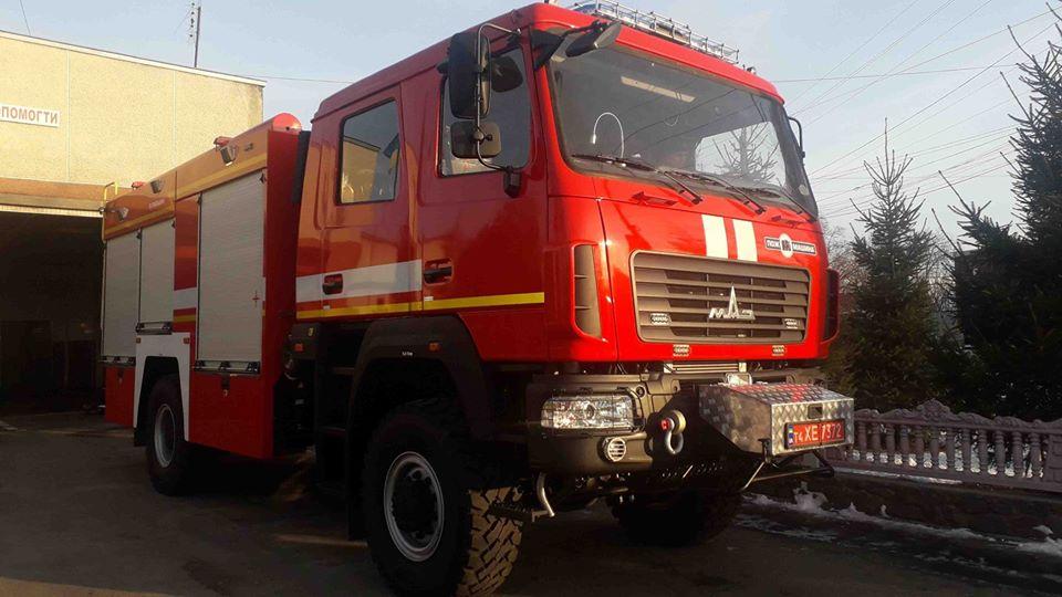 79498320_2868535523165257_4808755026526732288_o Рятувальники смт Рокитне отримали сучасний пожежний автомобіль