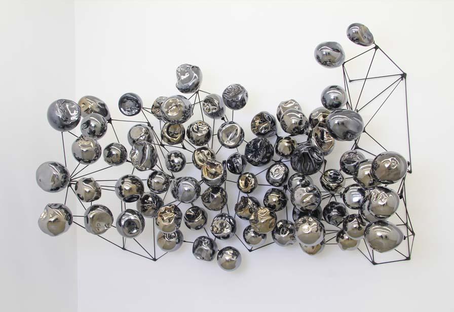 Митець-склодув з Америки створює дивні композиції у вигляді молекул ДНК -  - 79730040 2400417573403800 7882533579765317632 n