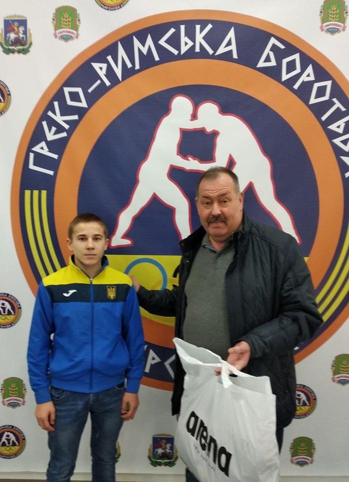 У Миронівці відзначили юного учасника збірної України з греко-римської боротьби -  - 80802040 590268945094911 3572665663530991616 o