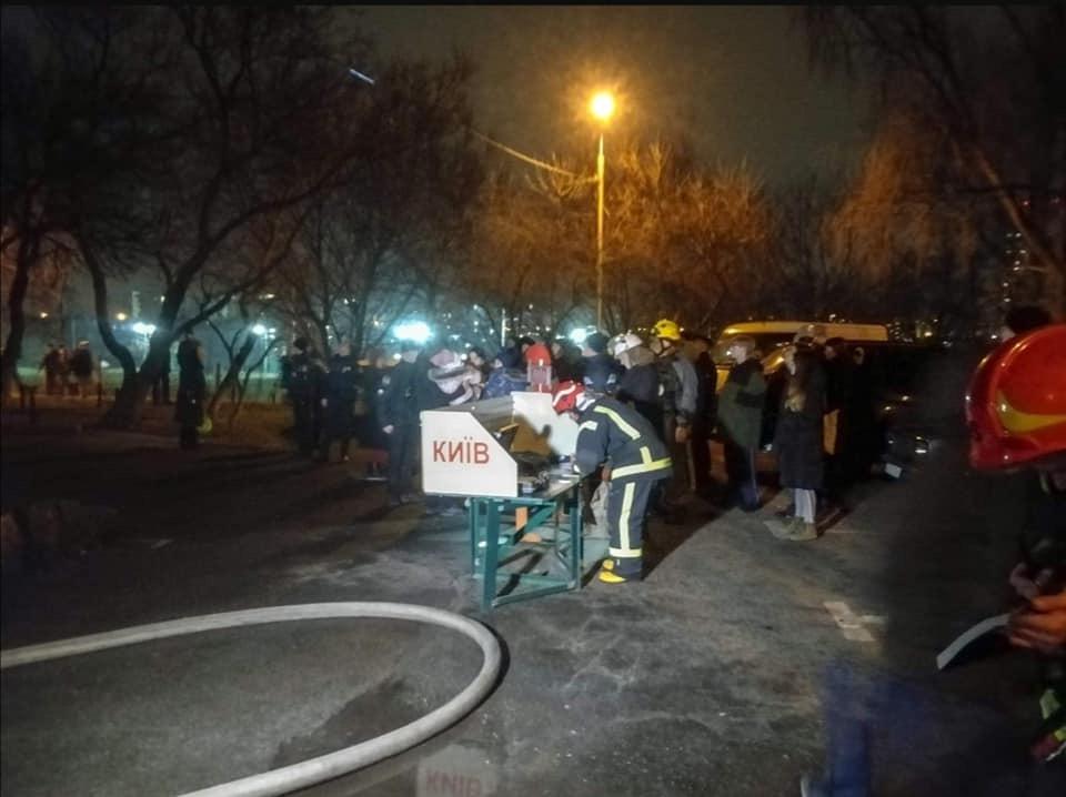 У пожежі в київській багатоповерхівці загинуло двоє людей -  - 93466002 C56E 435E 95C7 AB4E140C4E27