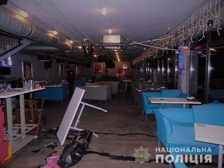 В ресторані у Києві сталася масова бійка: постраждало 8 осіб -  - DSC03532