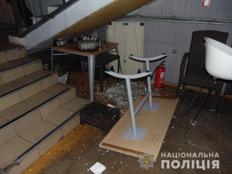 В ресторані у Києві сталася масова бійка: постраждало 8 осіб -  - DSC03541