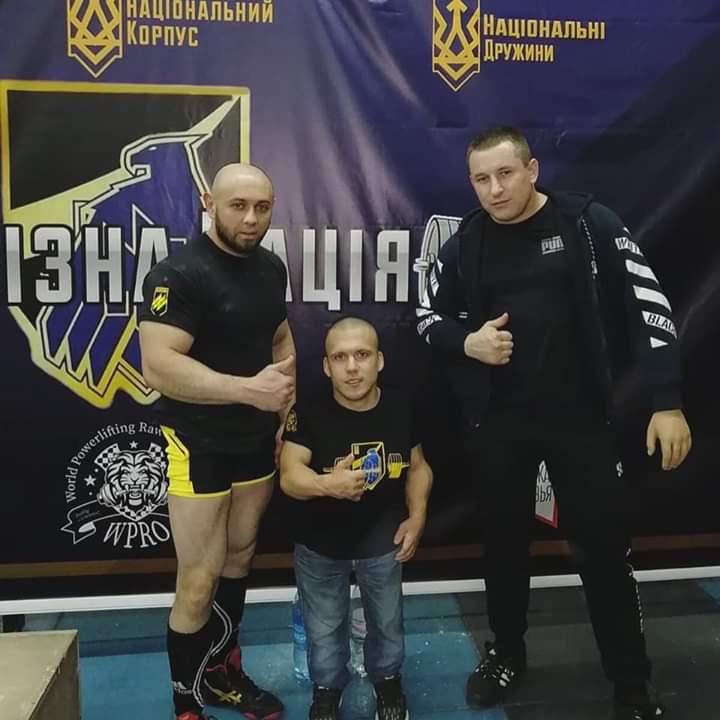 """Сам важить 40 кг, а підняв 140 кг: новий рекорд """"залізного"""" Макса із Бучі -  - FB IMG 1575891498340"""