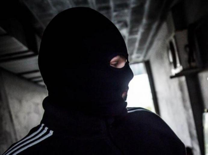 У Гостомелі 6 осіб напали на директора держпідприємства: зв'язали охоронця, забрали гроші та цінності - розбійний напад, Приірпіння, поліція Київшини, кримінал, київщина, Гостомель - Gost napad 1
