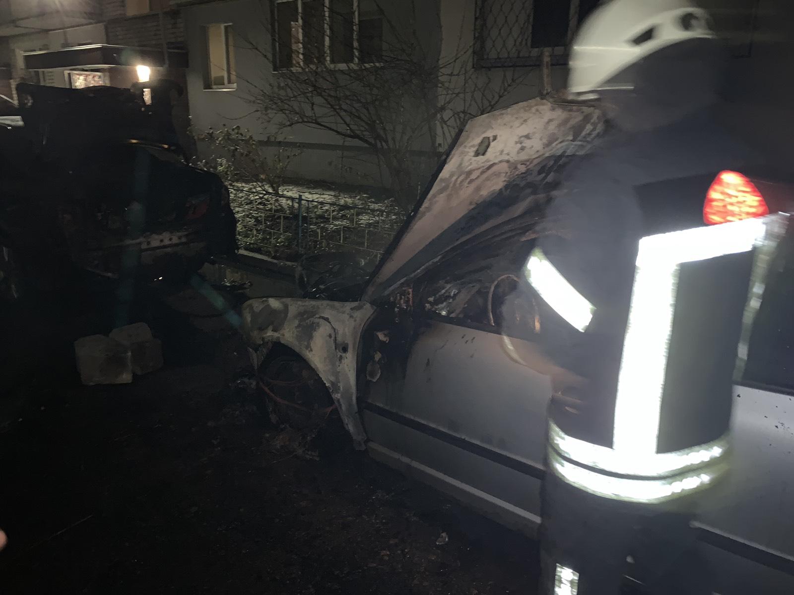 У Броварському районі ліквідовано загорання 2 –х легкових автомобілів -  - IMG 3119ce45e14487a78e5d5b3a480930ea V
