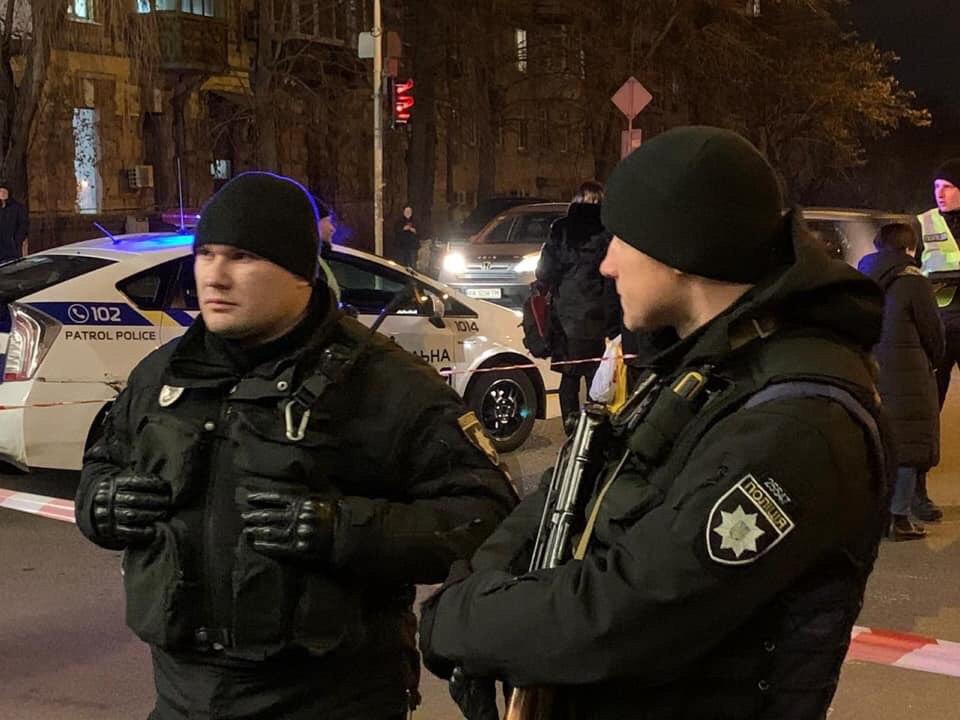 У Києві проводиться спецоперація для розшуку зловмисника, який стріляв у автомобіль -  - IMG 20191201 184444 603