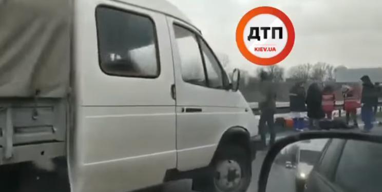 "Під Борисполем ""ГАЗель"" насмерть збила велосипедиста (відео) 18+ -  - Novyj rysunok"