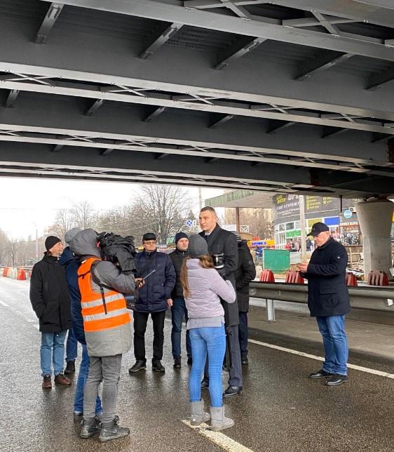 30-тонними МАЗами - по мосту: Шулявський шляхопровід випробували на міцність - Шулявський міст, Віталій Кличко - SHulyavkyj mist3