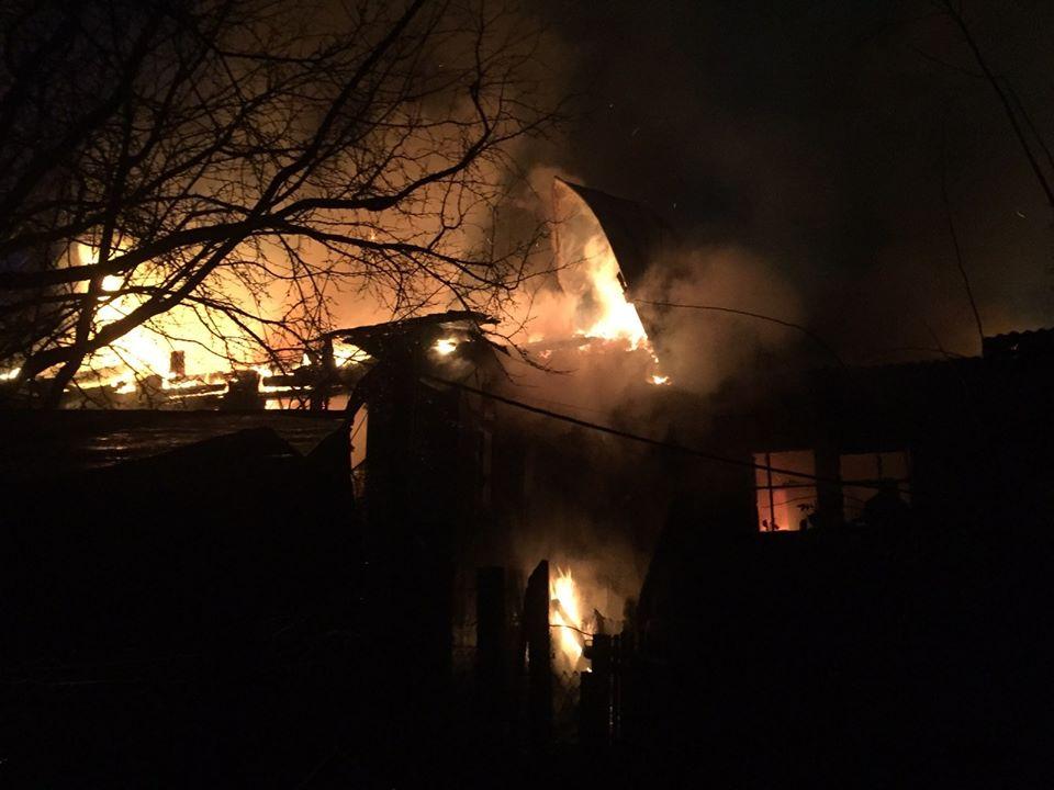 Vorz-zag-litnya-1 Без ознак життя: у Ворзелі унаслідок пожежі загинула літня жінка (відео)