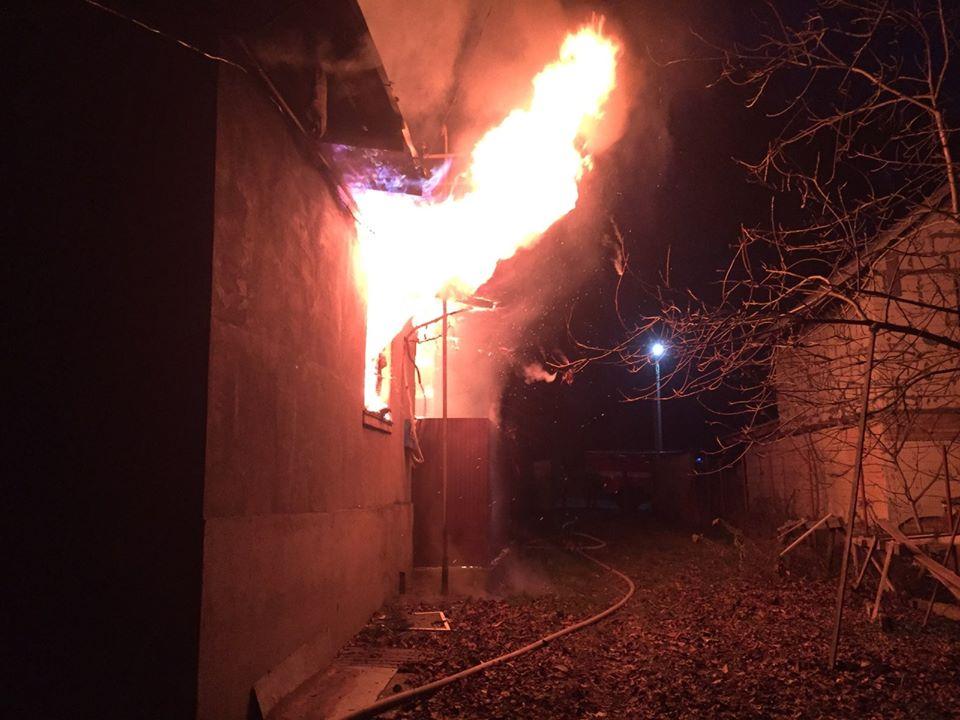 Vorz-zag-litnya-3 Без ознак життя: у Ворзелі унаслідок пожежі загинула літня жінка (відео)