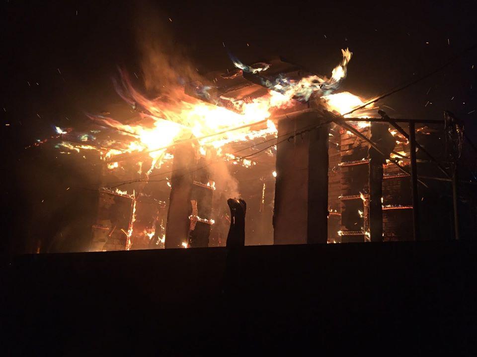 Vorz-zag-litnya Без ознак життя: у Ворзелі унаслідок пожежі загинула літня жінка (відео)