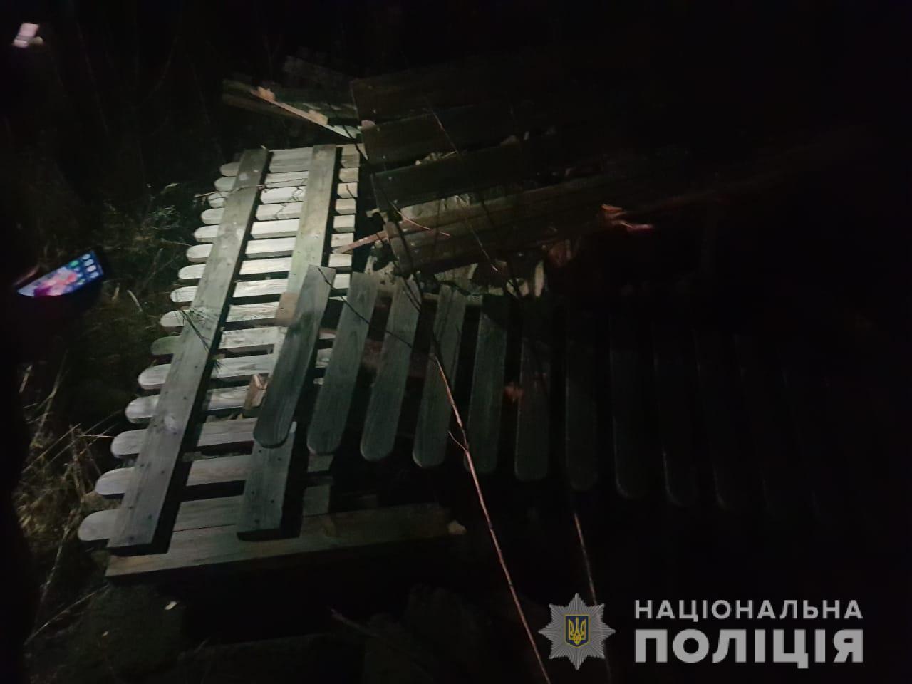 demontazh2 Пам'ятник Героям АТО у Ворзелі викинув... учасник АТО