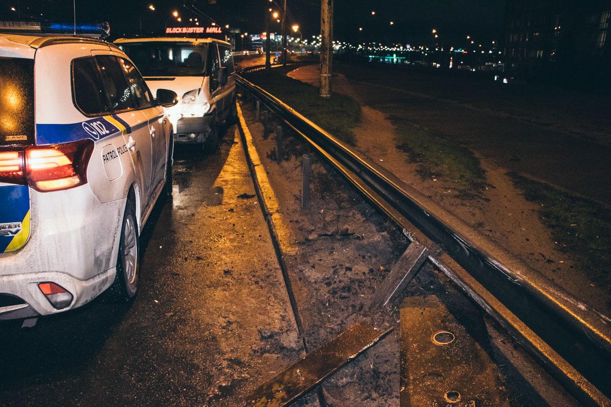 У Києві деформаційний шов мосту спричинив ДТП -  - dtp severniy most 6
