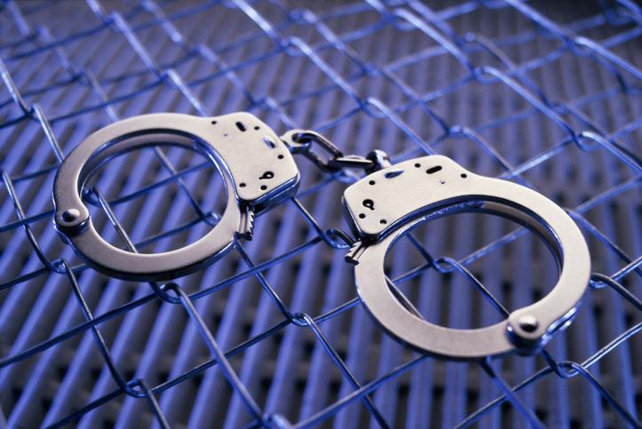 Викрито групу злочинців, які намагалися заволодіти чужим майном у розмірі 860 000 доларів: серед них депутат облради -  - kajdanky zlochyn