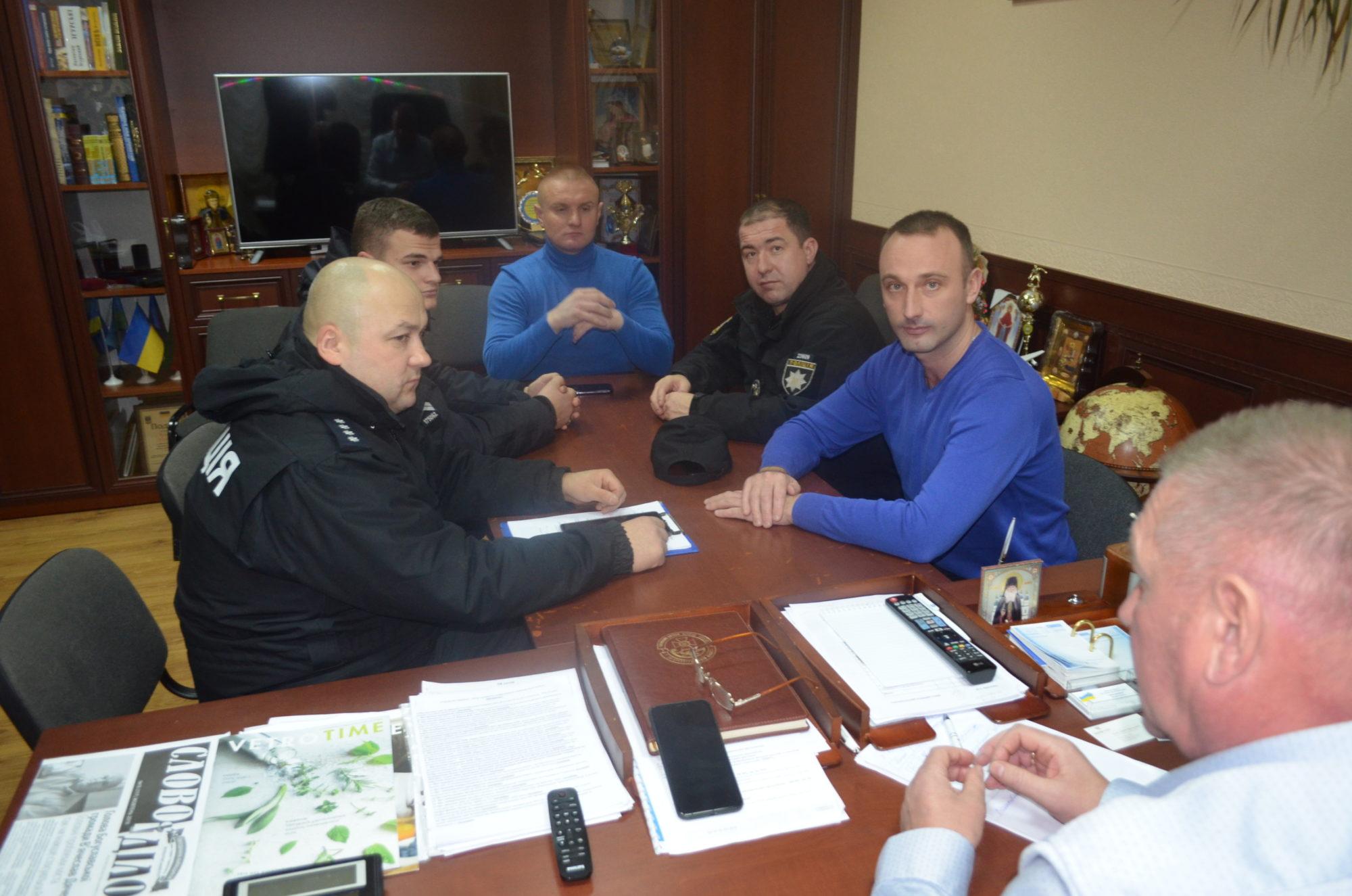 Муніципальна варта у Гостомелі: актуальність у питанні безпеки селища - Приірпіння, Поліція, Муніципальна варта, Ірпінський відділ поліції, Гостомельська селищна рада, Гостомель - m1 2000x1325