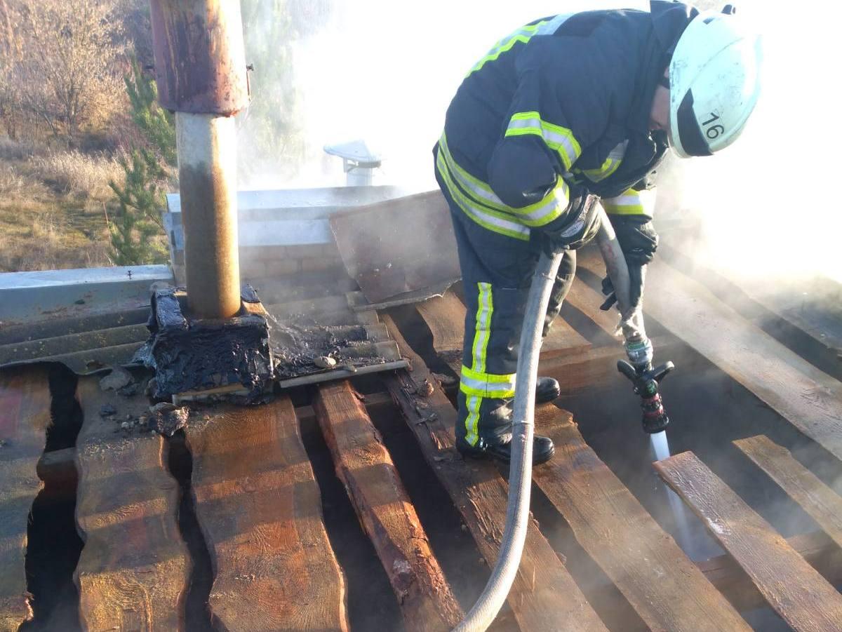 Рятувальники Обухівщини загасили пожежу на вибухонебезпечному об'єкті -  - media share 0 02 0a aab83e9e5d3f5ca79b2e32f34f80e0dcd4de672e9ba0ae6f24ad5b8a946f2199 790dfac9 48dc 41a3 b900 f42f77631dca