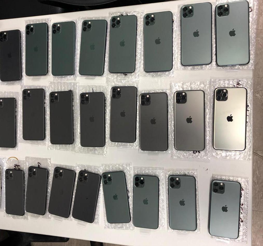 Пасажир з Дубаю заховав під одягом 26 айфонів (відео) -  - news 20191210 112026 1575969626