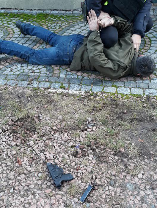 У Віті-Поштовій п'яний чоловік здійняв стрільбу -  - photo 2019 12 17 11 04 58