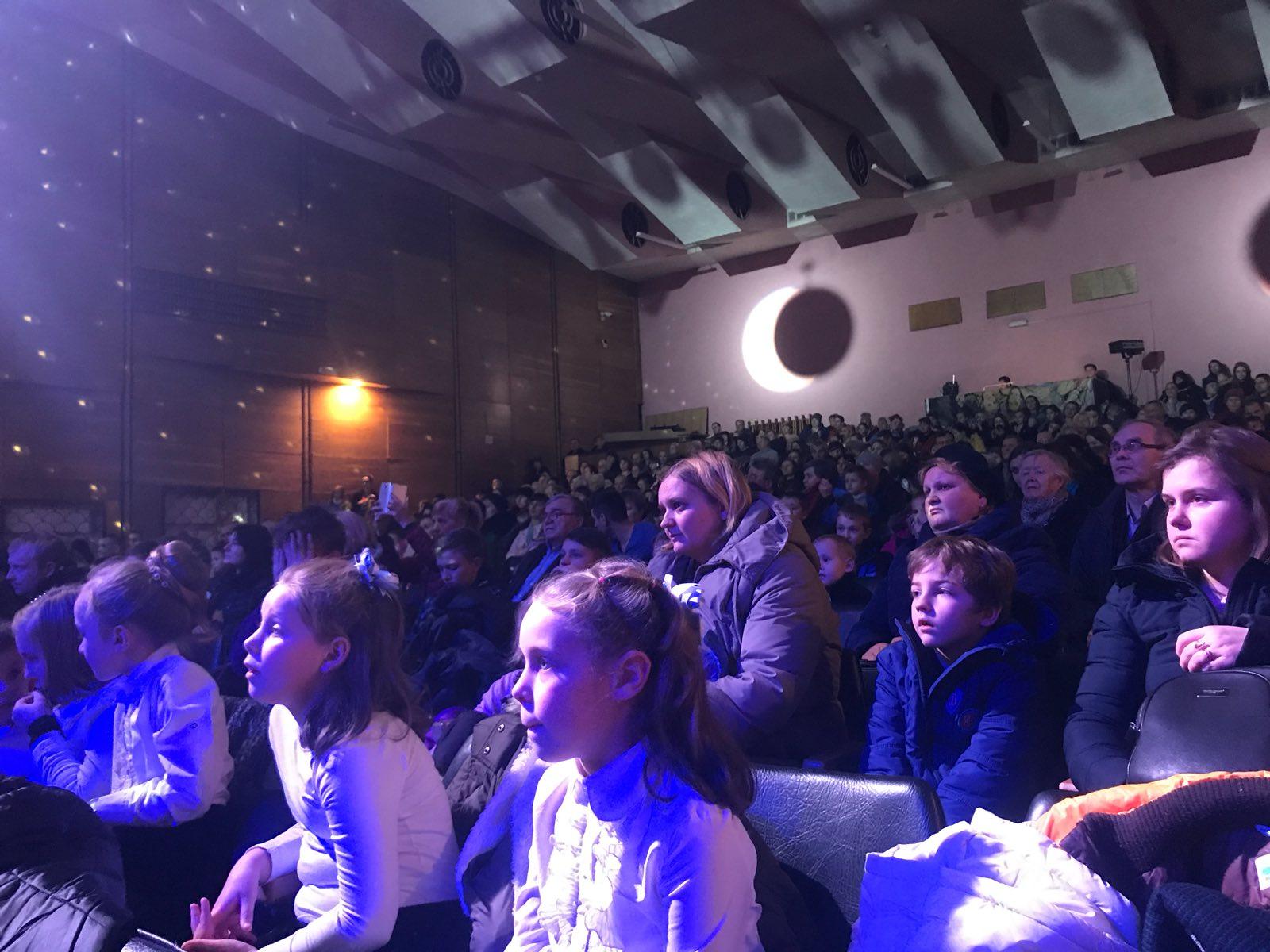 """""""Велика різдвяна подія"""" у Броварах: об'єдналися для допомоги сиротам -  - yzobrazhenye viber 2019 12 24 12 36 11"""