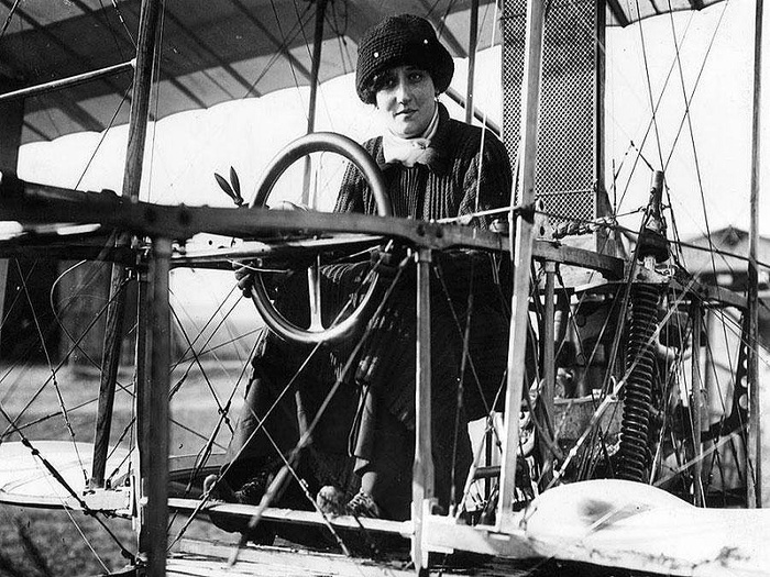 Раймонда де Ларош - перша жінка-пілот - Франція, Літак - zhinka pilot