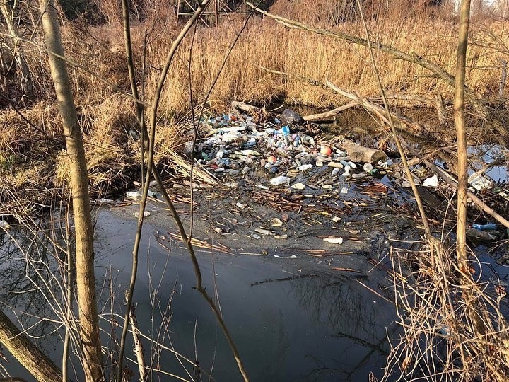 У Києво-Святошинському районі нищівно забруднюють річку -  - 00649385 6FED 46F7 B2F6 9504D6066601